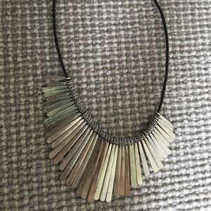 Jewelry - ❗️clearance❗️Silver necklace